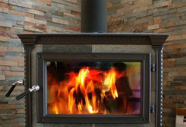 Cheminée à gaz, cheminée à granulés quel est le bon choix ?